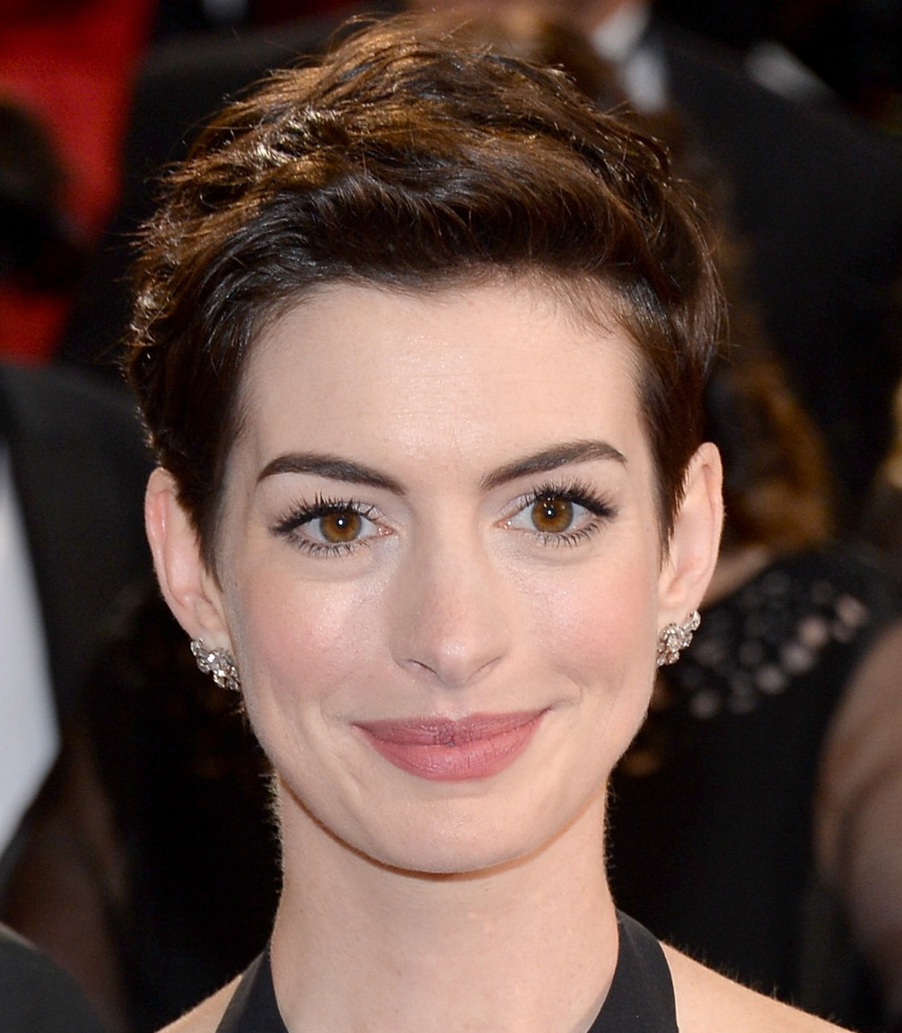 Anne Hathaway Eye Color: Oscars 2014: Make Up And Hair