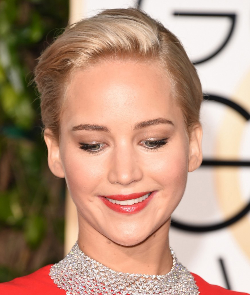 Make batom vermelho Jennifer Lawrence Golden Globes 2016