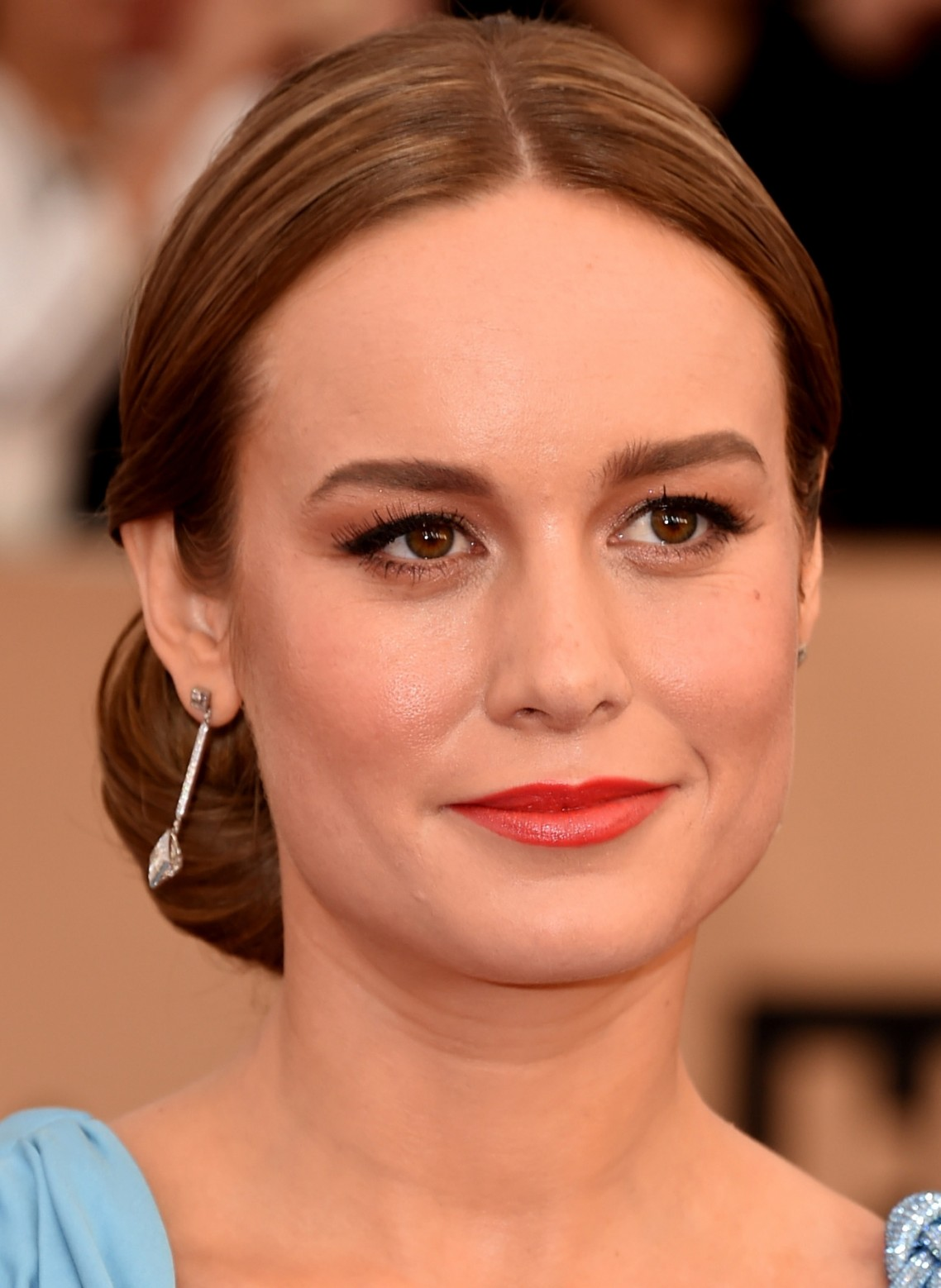 Batom alaranjado Brie Larson SAG Awards