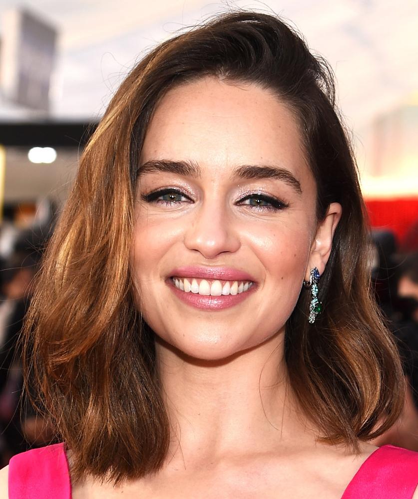 Make e cabelo básicos Emilia Clarke SAG Awards