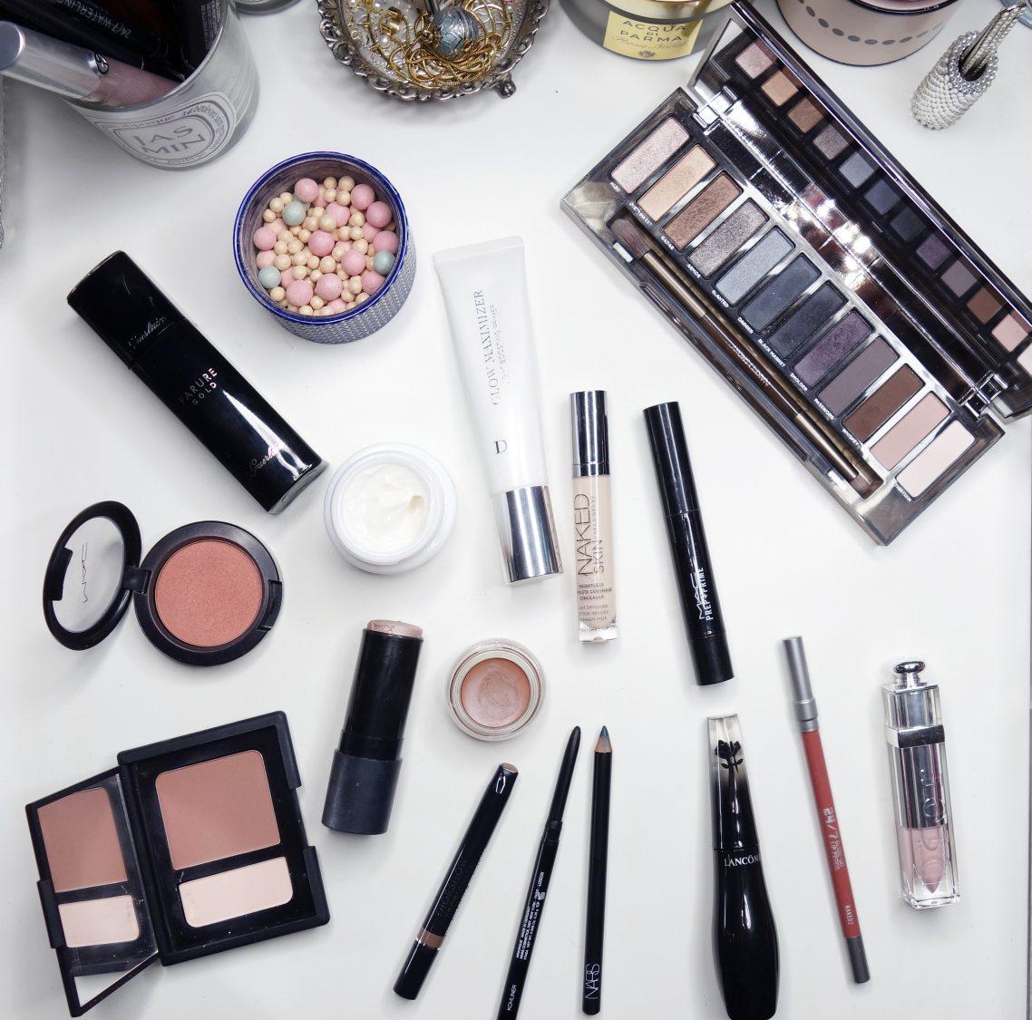 produtos usados no tutorial de maquiagem de natal