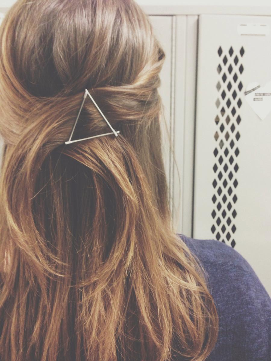 Grampos a mostra são cool, e fazer um triângulo com 3 fica super fofo!