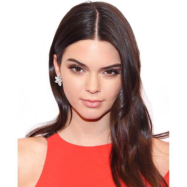 Minimalist beauty Kendall Jenner