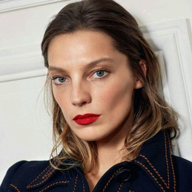 Inspiração batom vermelho Vogue