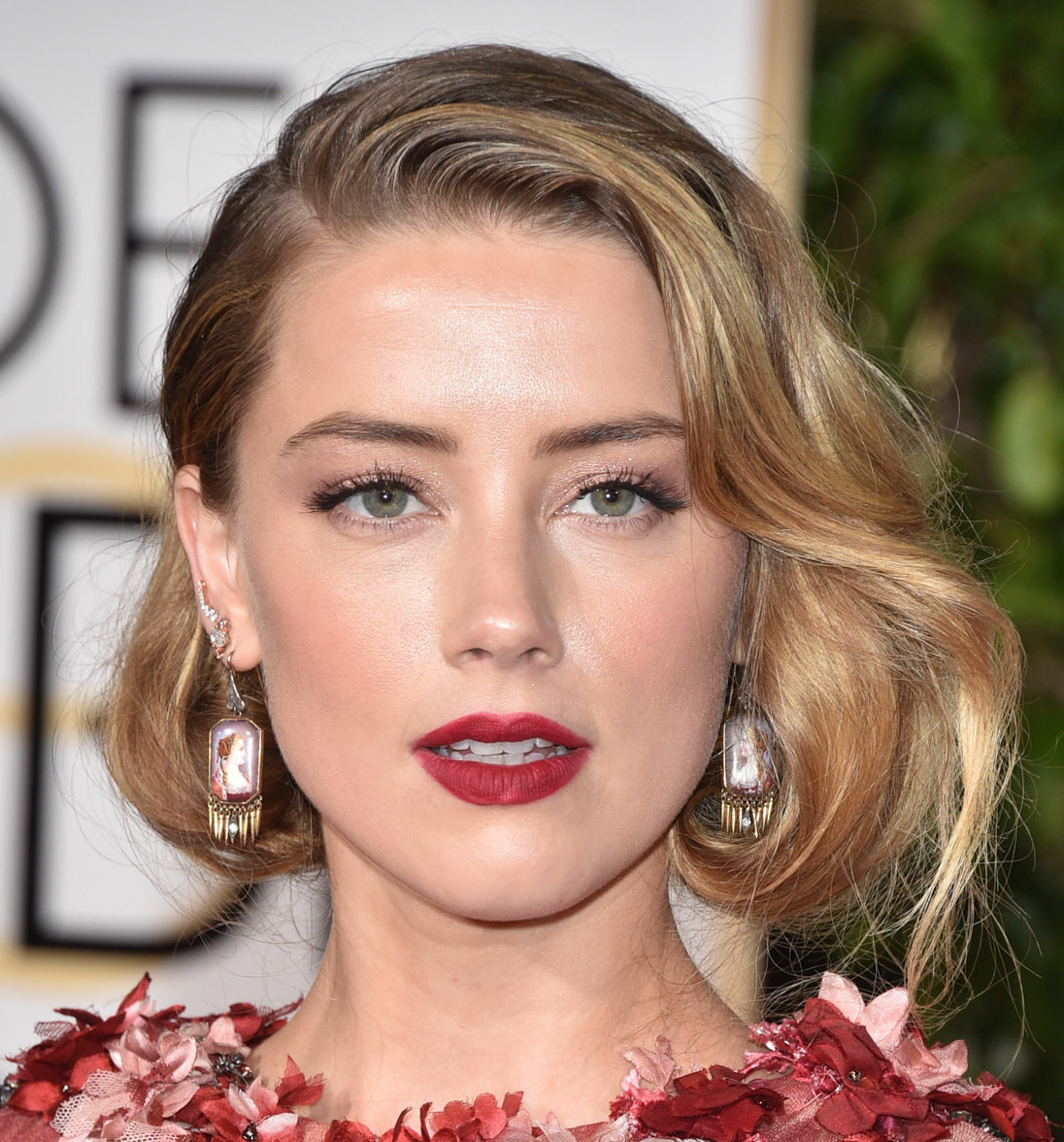 Curto falso Amber Heard Golden Globes 2016