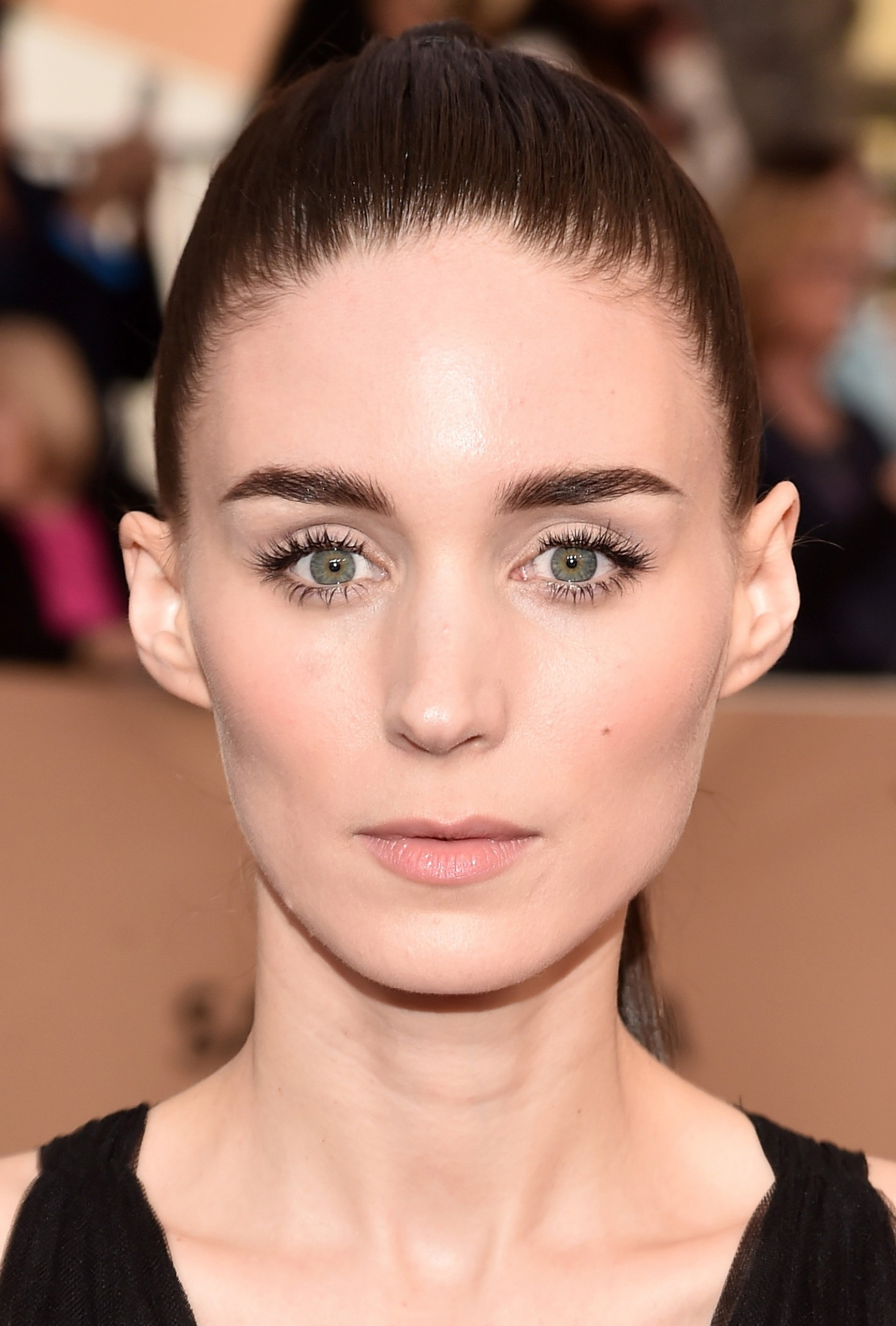 Make suave Rooney Mara SAG Awards